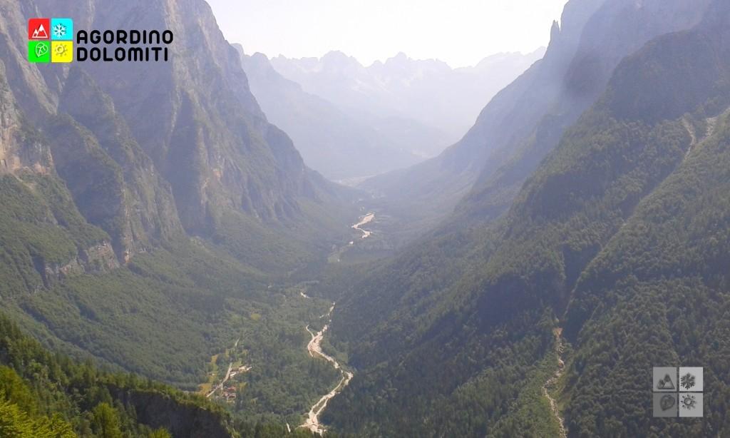 Affascinante veduta della Valle di San Lucano dal sentiero per Pian del Miel