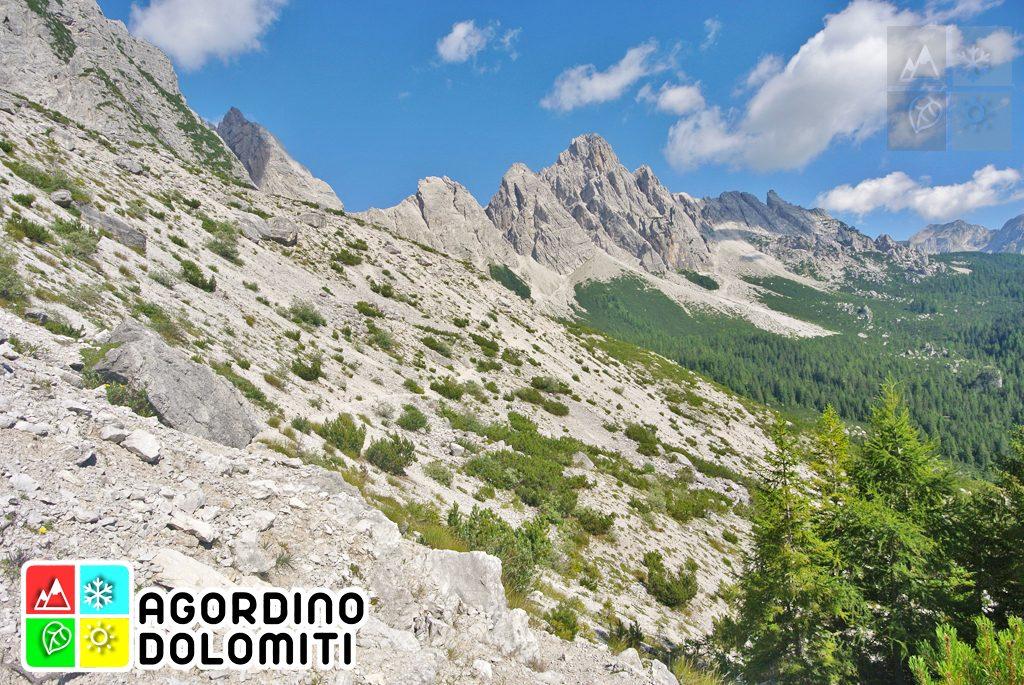 Ai piedi del San Sebastiano sull'Alta Via delle Dolomiti 1