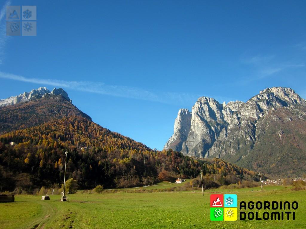 I monti Agner (sinistra) e Pale di San Lucano (destra) visti dall'Itinerario Paesaggistico di Agordo