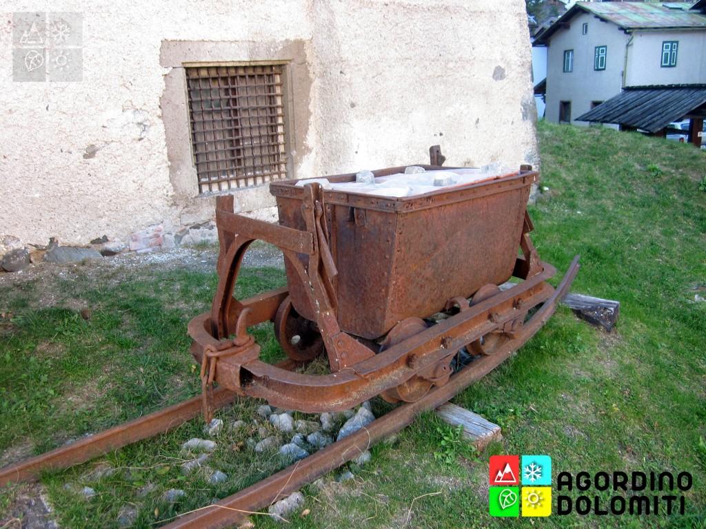 Antico carrello delle Miniere del Fursil presso Casa Chizzali - Bonfadini