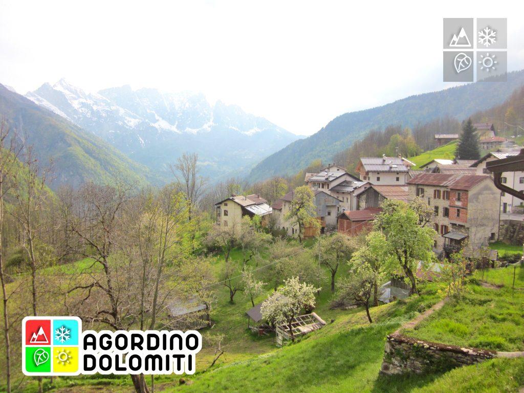 Panorama sulla frazione di Tiser a Gosaldo