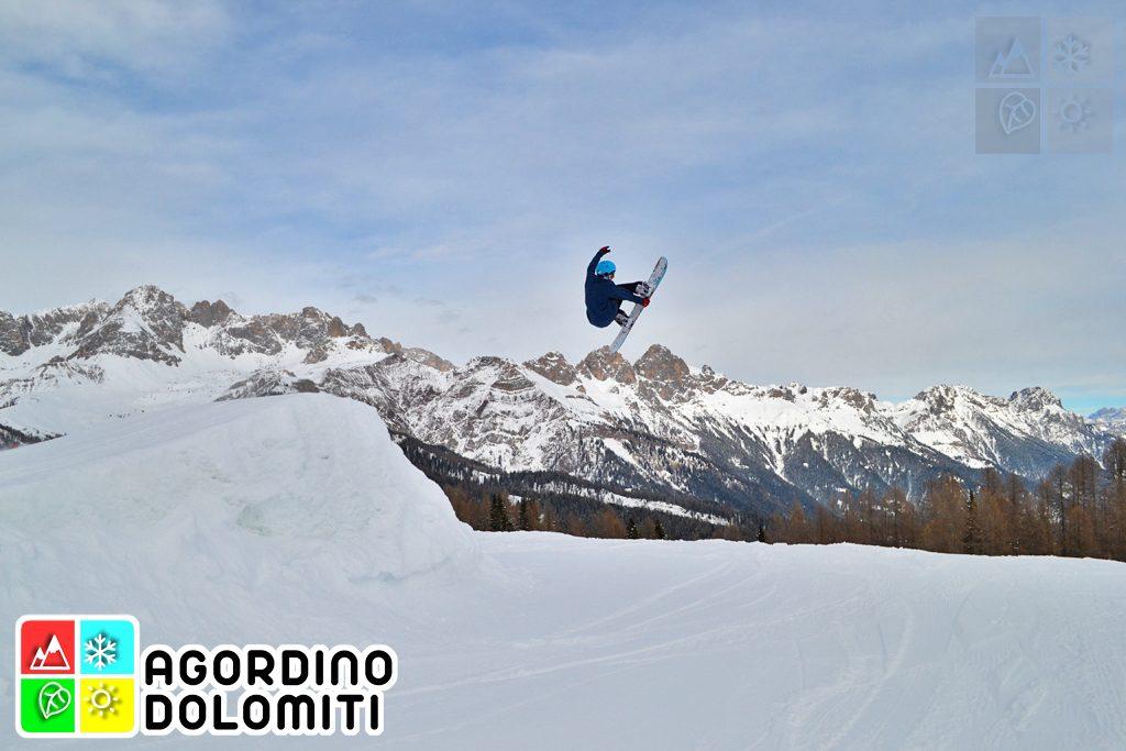 Snowboarding nelle Dolomiti