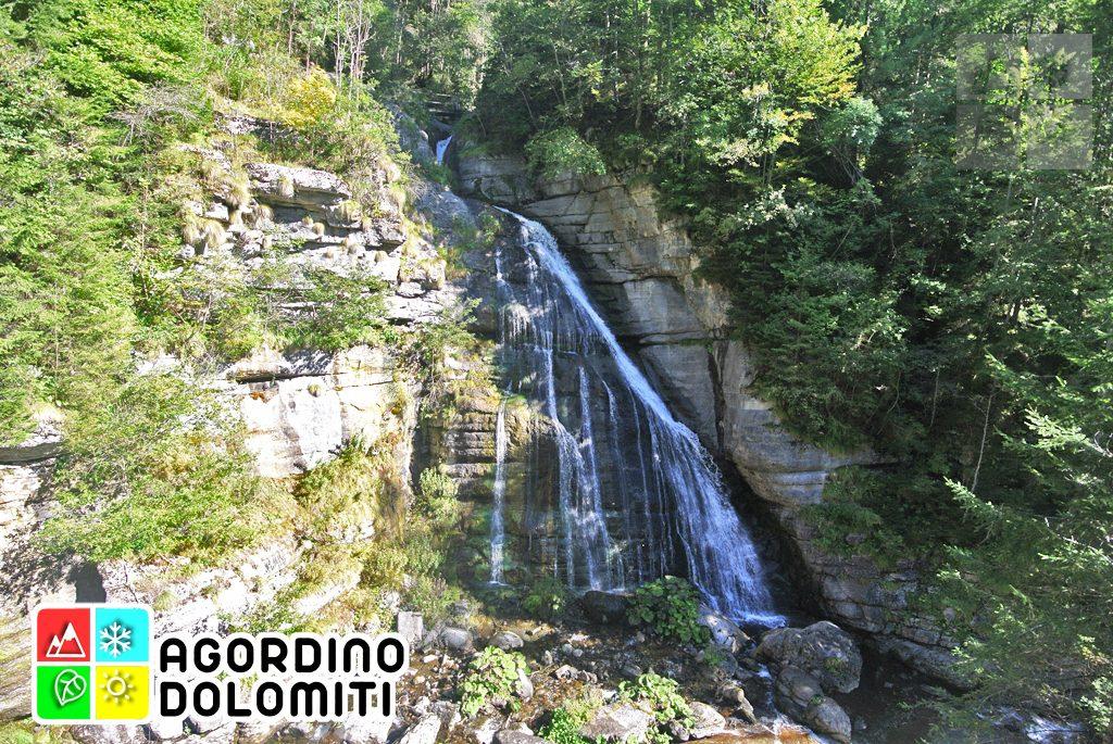Una delle cascate del Bordina nei pressi di Pont