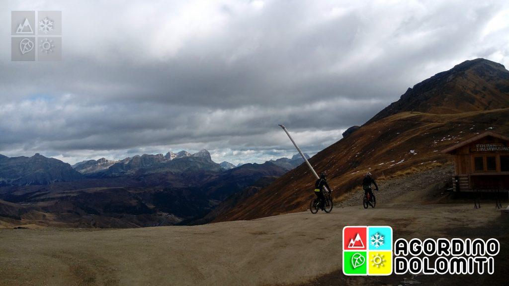 Viel del Pan in Mountain Bike | MTB nelle Dolomiti | Marmolada, Agordino, Dolomiti